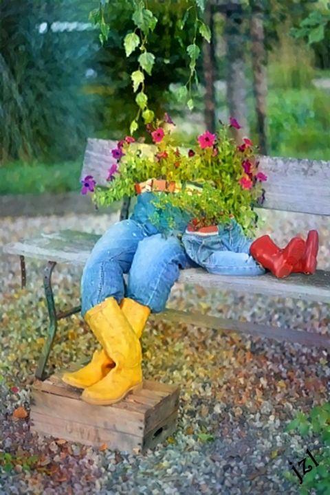 Sitting Pretty - Artists Korner