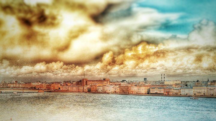 Dramatic sky of Saint Petersburg - AG Photo Studio