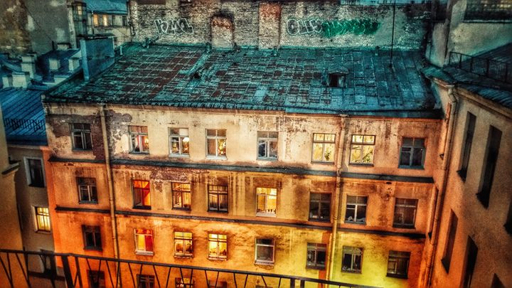 Illuminating roof tops - AG Photo Studio