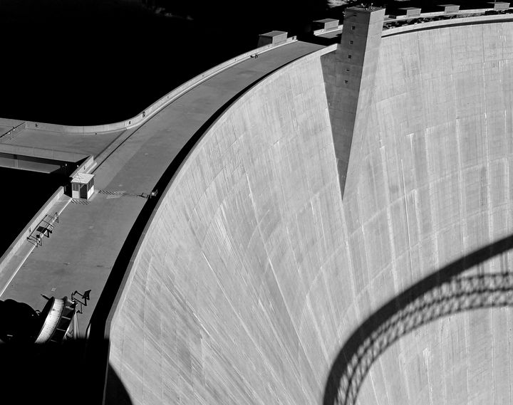 The Damn Dam - Jonathan P. Thompson