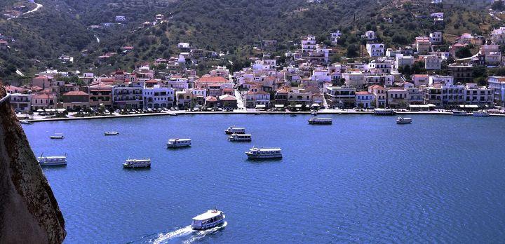 Island of Poro's - John Dixon