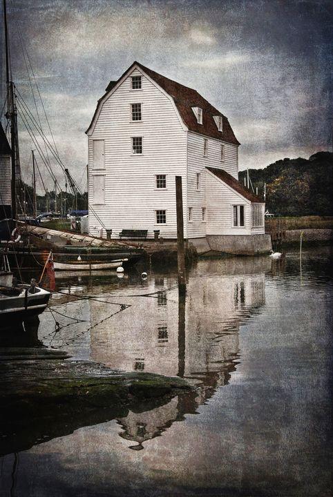 Woodbridge Tide Mill - Ian W Lewis