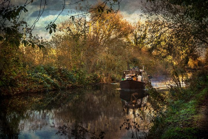 Narrowboat On The Kennet And Avon - Ian W Lewis