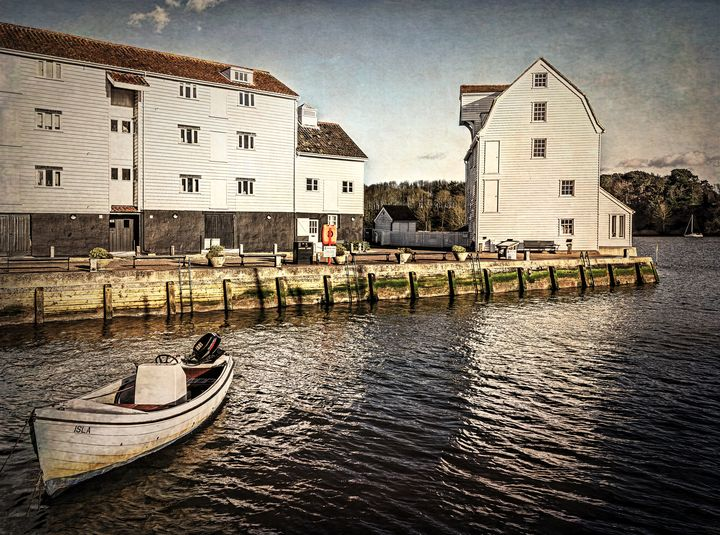 Woodbridge Tide Mill And Quayside - Ian W Lewis