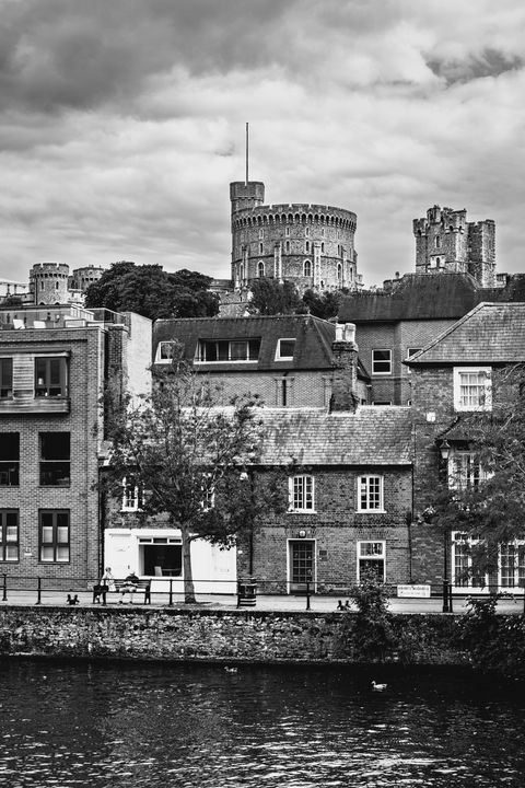 The Round Tower Above Windsor - Ian W Lewis