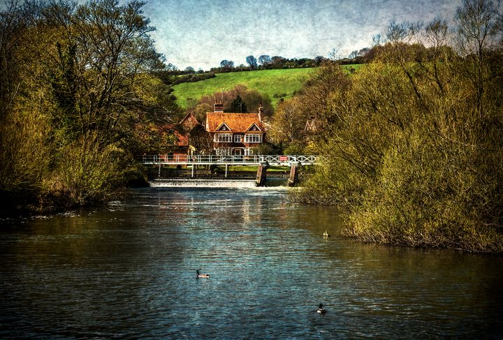 Over The Thames To Streatley - Ian W Lewis