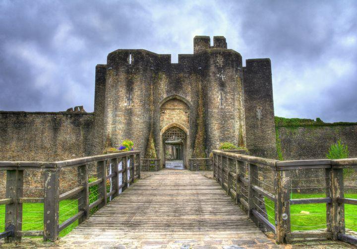 Caerphilly Castle Gatehouse - Ian W Lewis