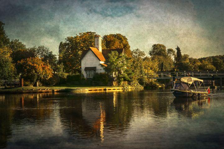Goring on Thames - Ian W Lewis