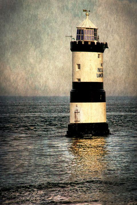 Penmon Trwyn Du Lighthouse Anglesey - Ian W Lewis