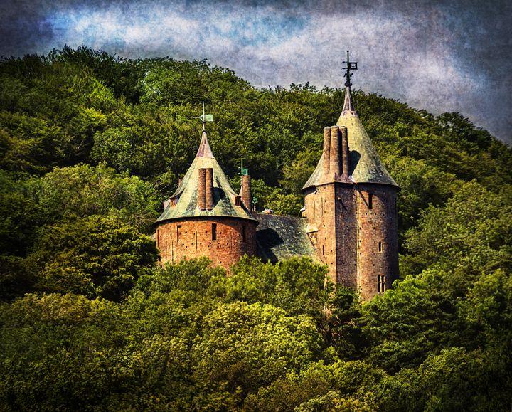 Castell Coch - Ian W Lewis