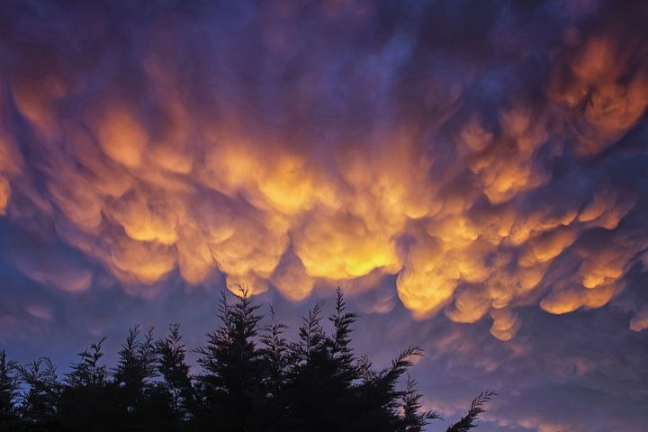 Mammatus Clouds in the Evening Sky - JT54Photography