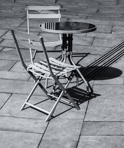 Pavement Table And Chairs Monochrome
