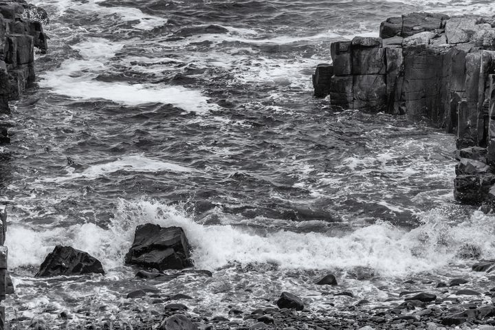 A Rocky Cove Monochrome - JT54Photography