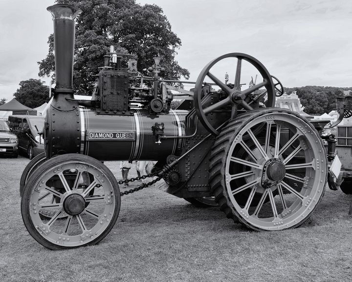 Steam Traction Engine Monochrome - JT54Photography