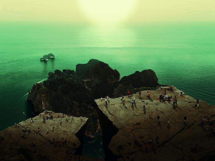 Ocean Mountain & Sun Dreamscape - PLANETRY ONLINE