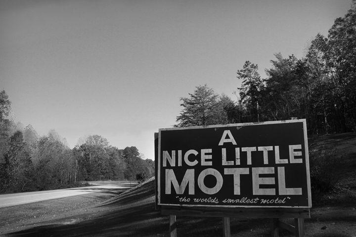 A Nice Little Motel - Kelly Hazel