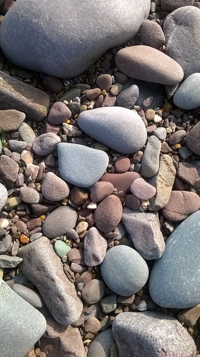 Beachy Rocks - Maenga