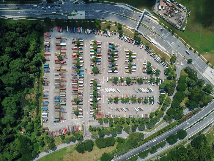 Heavy Vehicle Parking - CaptainMavicPro
