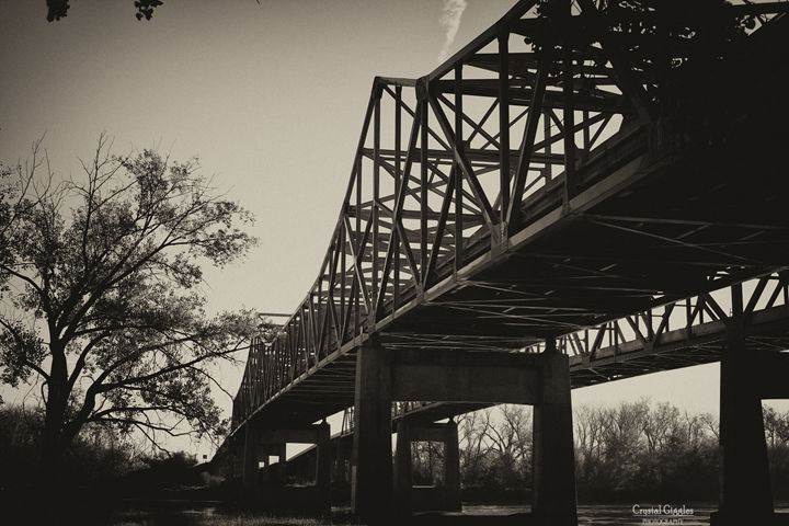 BW Bridges - CrystalGigglesPhotography