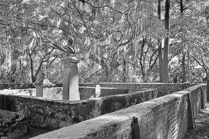 Old House Plantation Cemetery Black