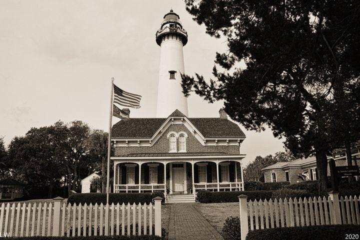 St. Simons Island Lighthouse B/W - Lisa Wooten Photography