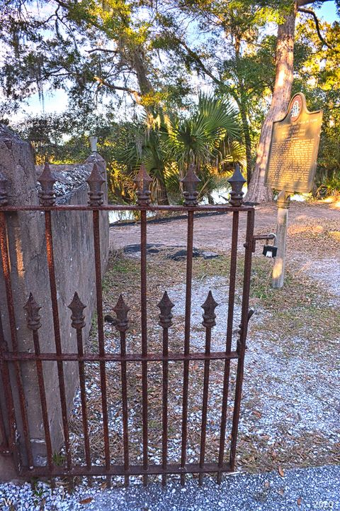 DuBignon Cemetery Gate And Historica - Lisa Wooten Photography