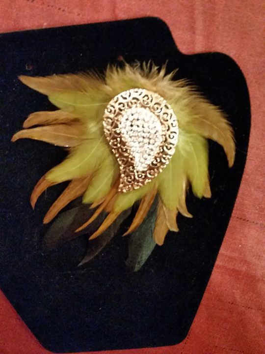 Brooch 101 - TMerlot Design Accents & Effects