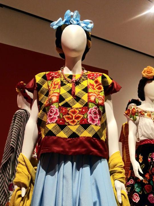 Frida Kahlo Inspired Fashion 2 - Bianca Nedjée Photography