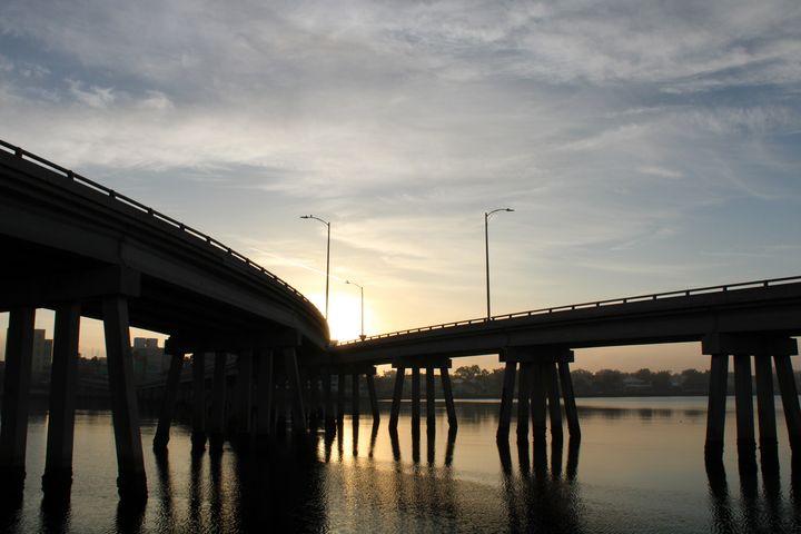Sunrise on the Bay - Thomas Wildone Art/Photography