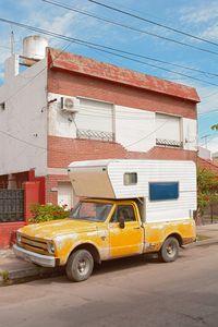 Camioneta Amarilla