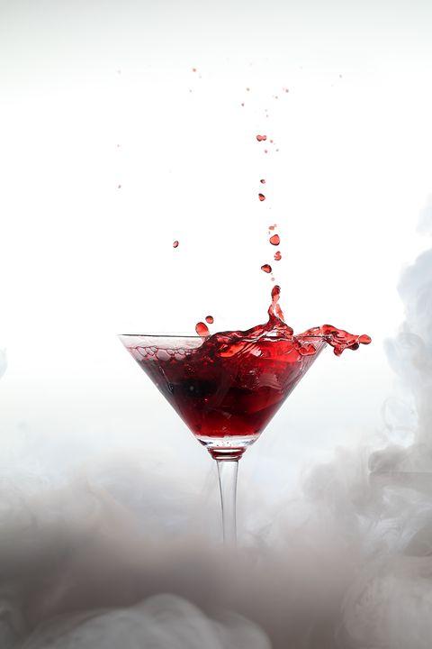 Splash drink with white smoke - Roberto Giobbi