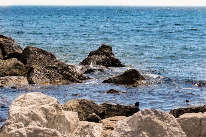 Stones on the seashore. - German S