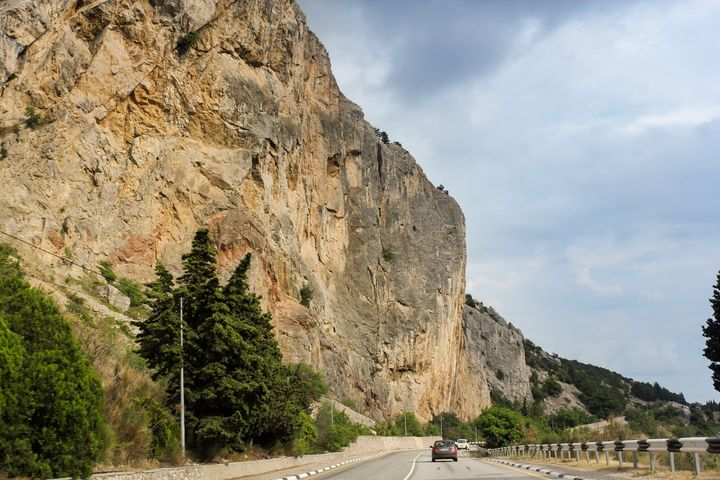 Highway along the stone wall. - German S