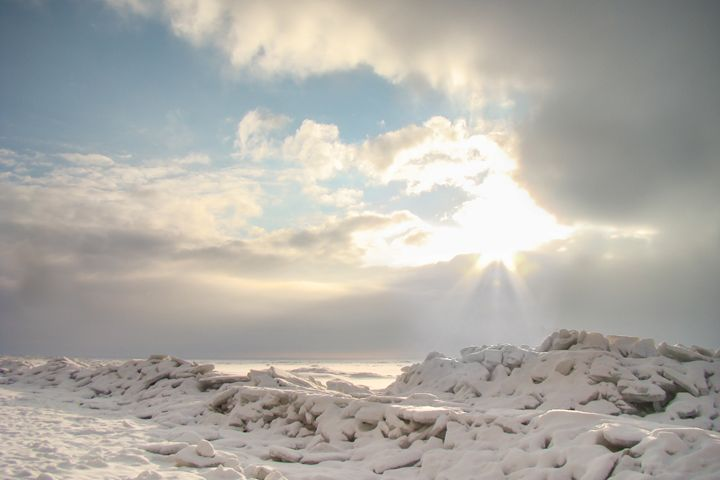 Winter shore of Gulf of Finland. - German S