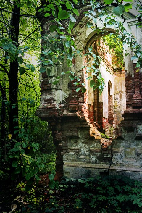 The corner of the ruined monastery. - German S