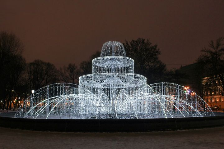 A light fountain in the Alexander Ga - German S