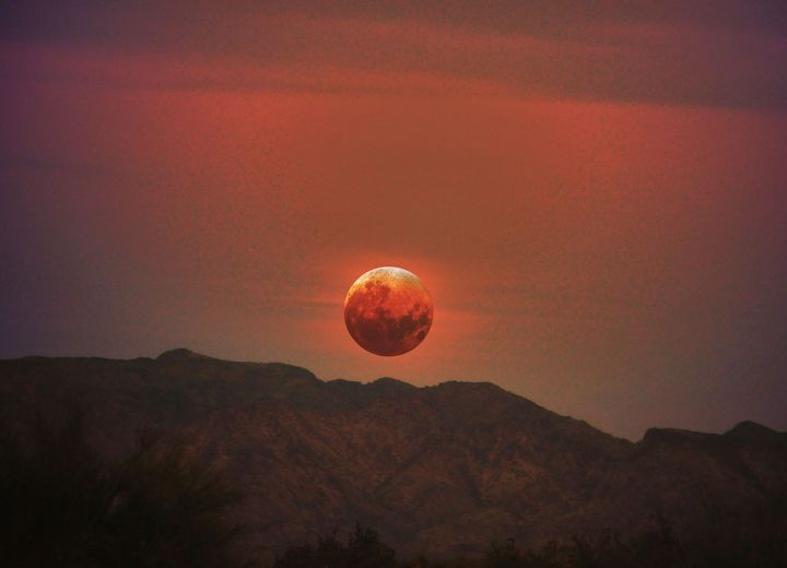 Full moon and total lunar eclipse - Creative Photography