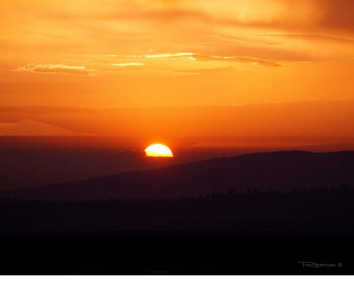 Mountain Sunset - Terry Restivo