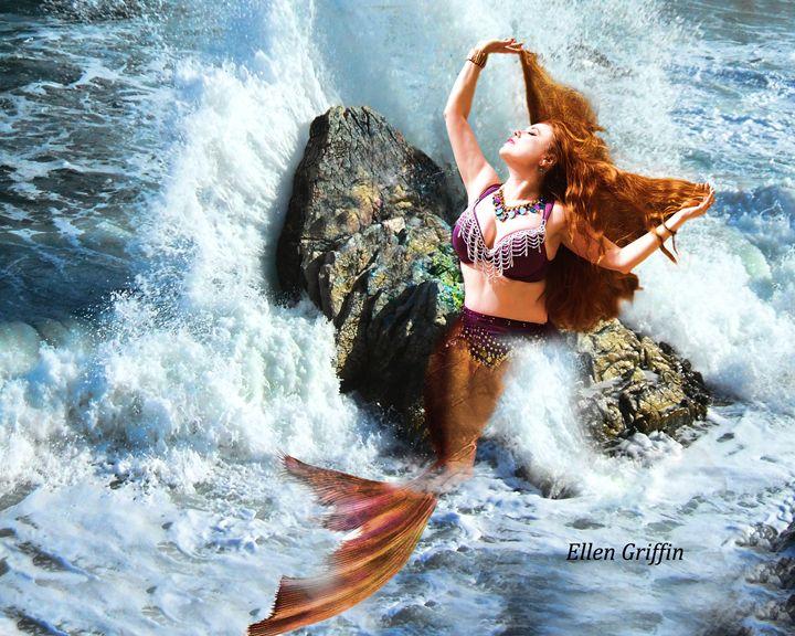 Sea Siren - Ellen Griffin Fantasy Art