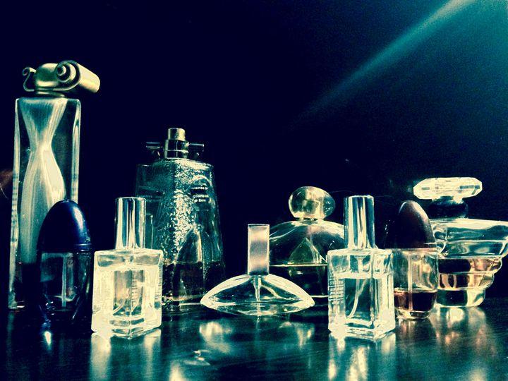Perfume Bottles - HIRIN