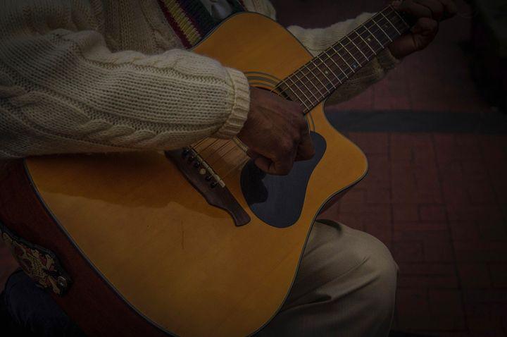 River street Singer - Vincent blake