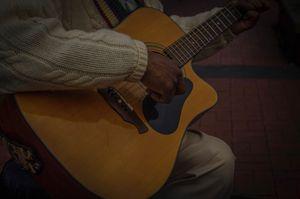 River street Singer