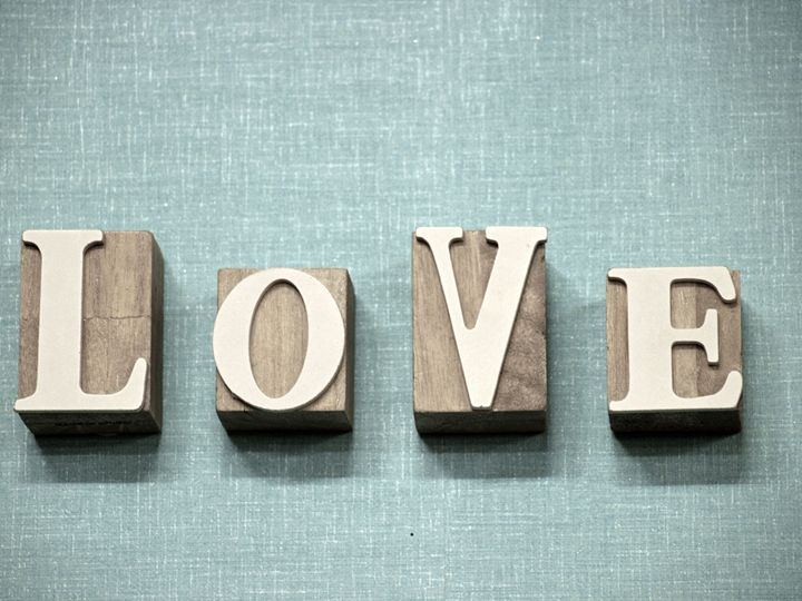 cubes saying love - SHOPPINGUSA