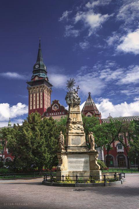 Holy Trinity monument in Subotica - Dejan Travica