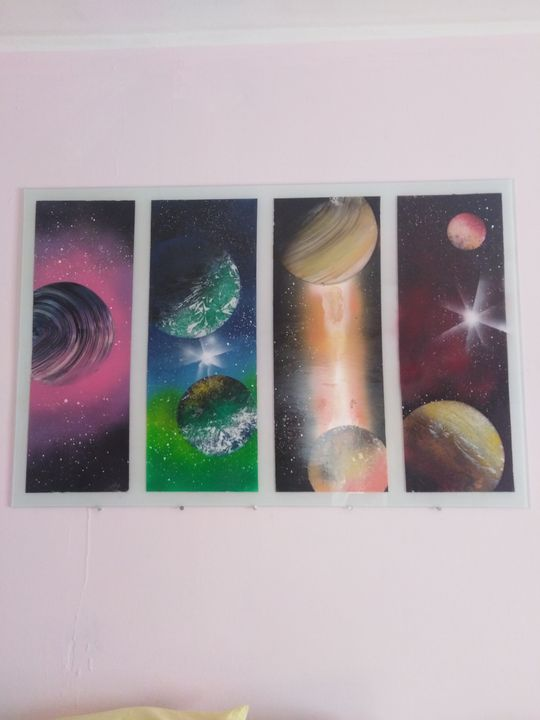 Planets - spray painting