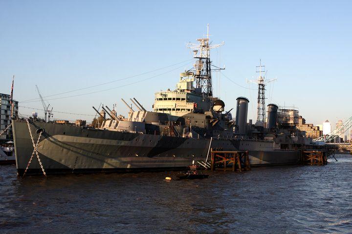 HMS Belfast on the Thames - Aidan Moran Photography