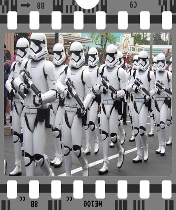 Stormtrooper marching Star Wars - Fabulous Sammie