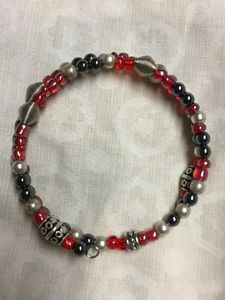 Glass and metal beaded bracelet