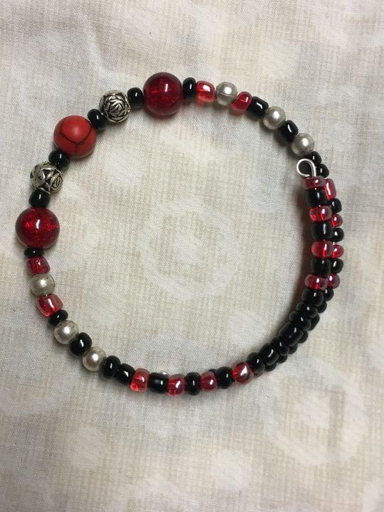 Glass beaded bracelet - Wakley8 creative designs