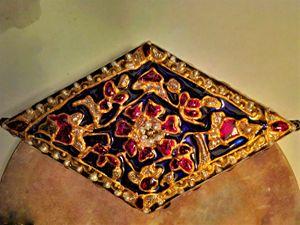 Hand painted Indian glass pendant - indianArtOnCanvas